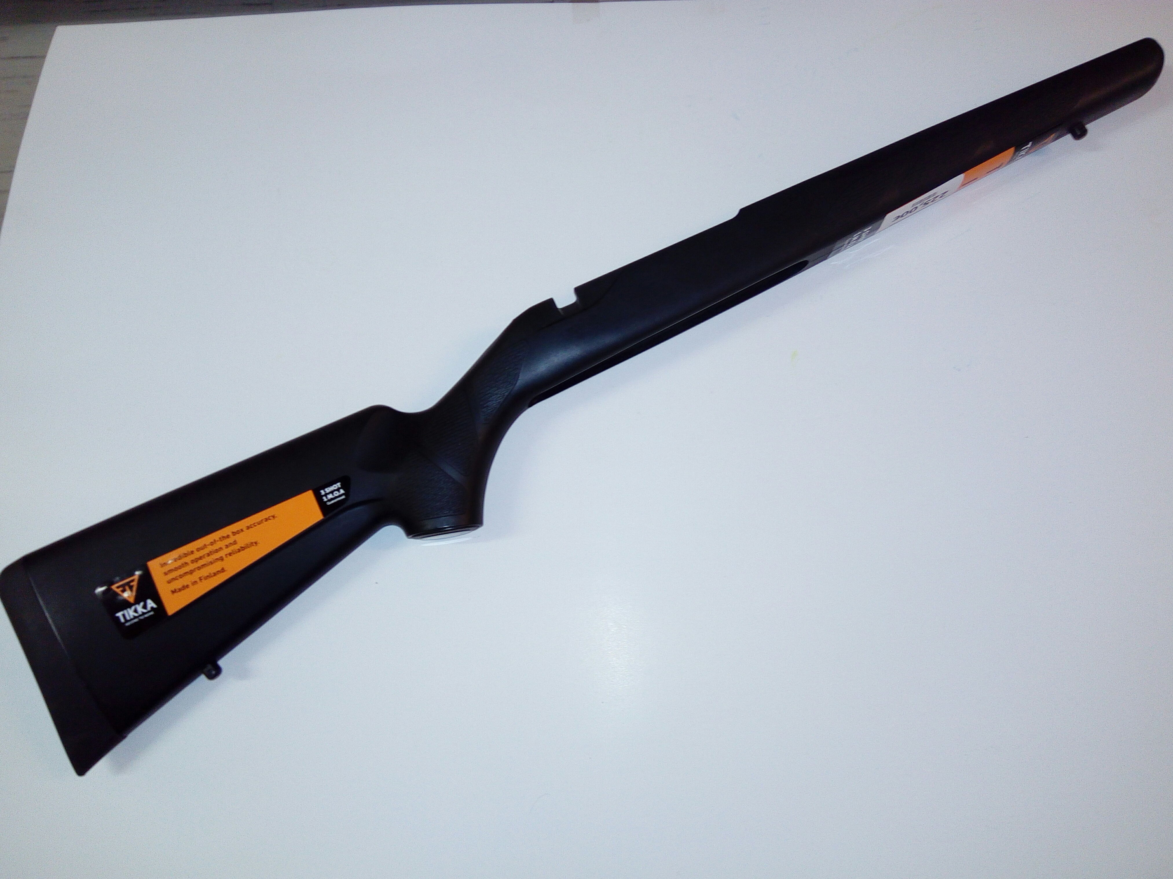 Tikka T3 Lite tukki musta/synteettinen