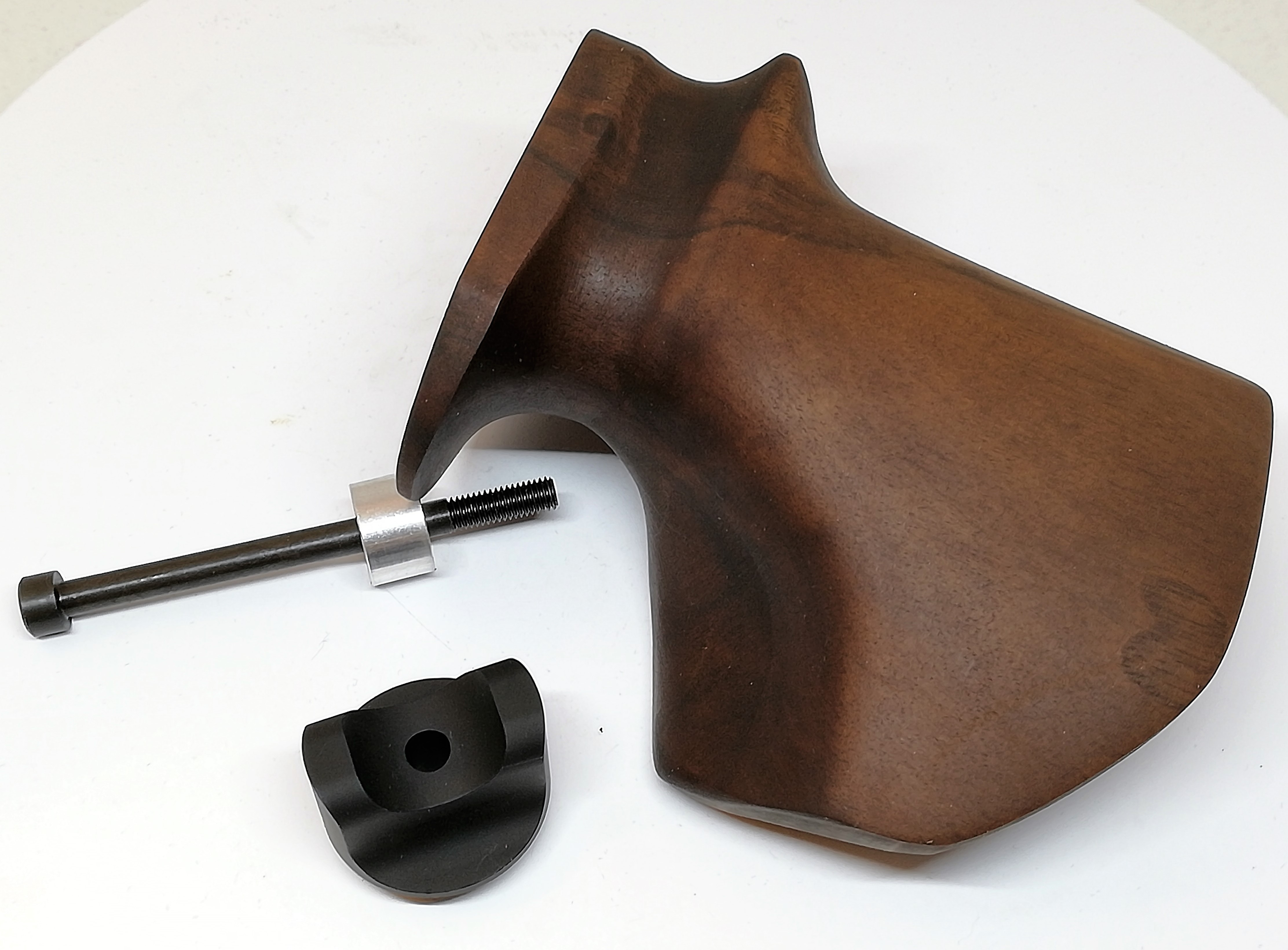 "Anschtz ONE Pistolgrip ""L"" walnut oiled inc.fittings"