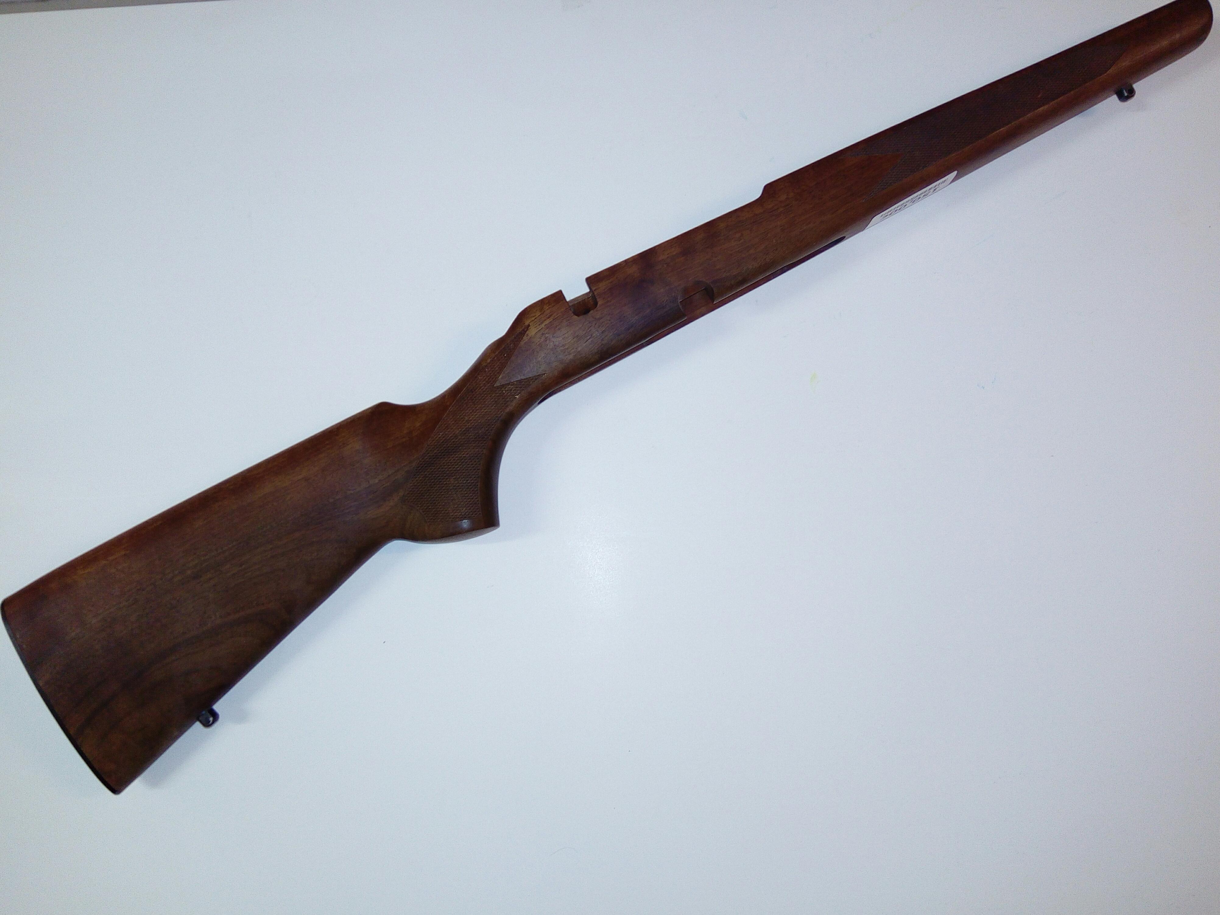 Tikka M 690 metsästysmallin tukki käytetty uutta vastaava