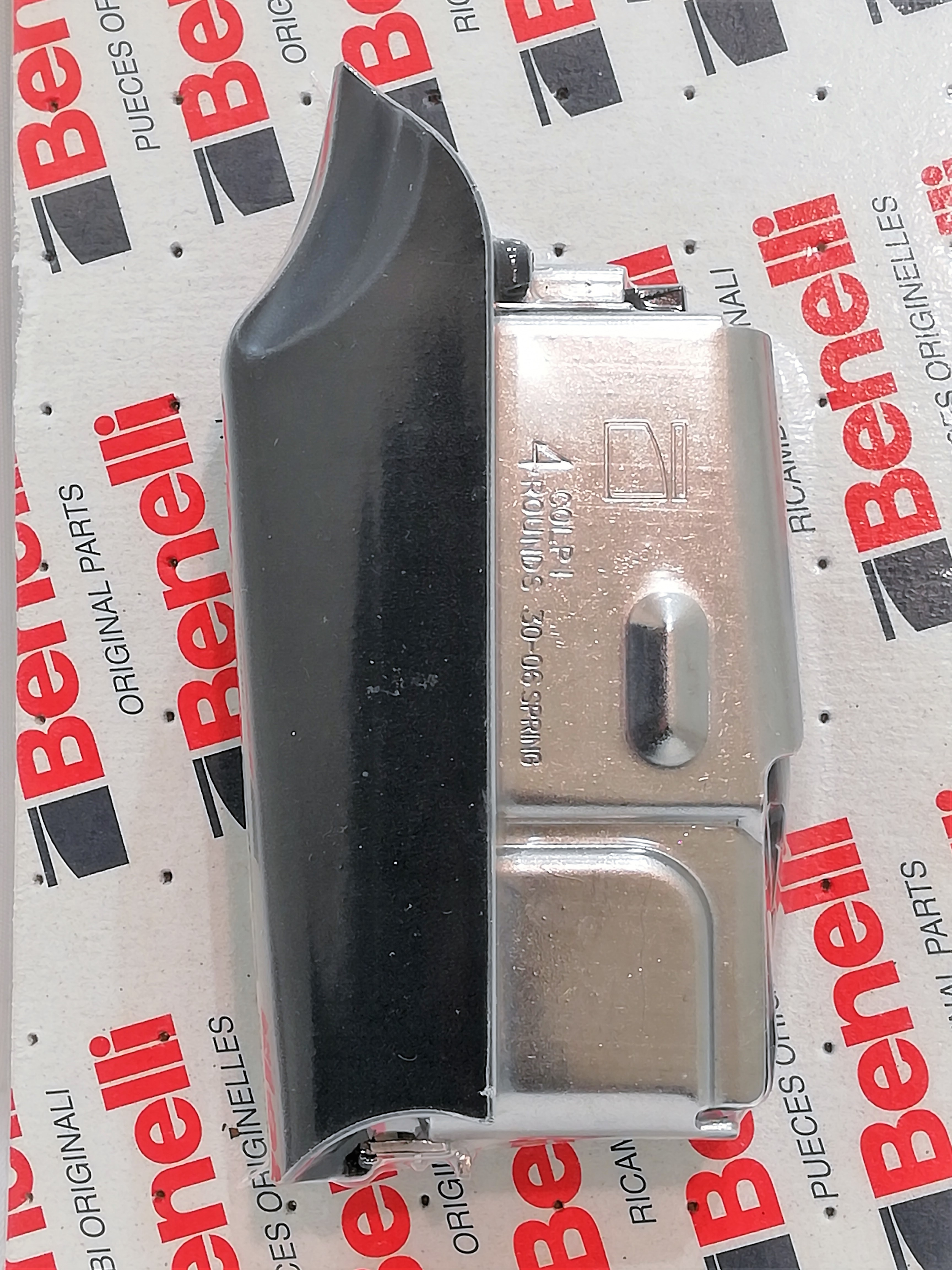 Benelli Argo 30-06 4-patruunan lipas