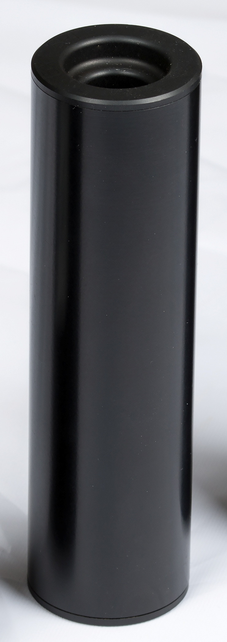 Osuma äänenvaimennin 220 .45 cal. musta